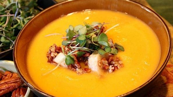 Recipe Roasted Squash Soup with Maple-Glazed Bananas