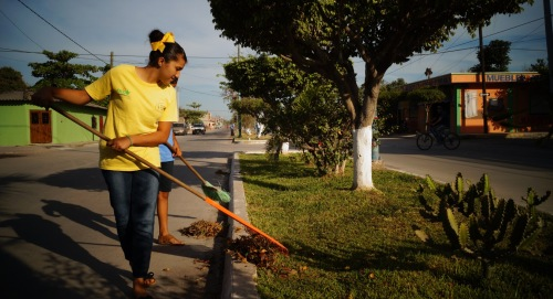 GROW Students Volunteer to Help Their Communities